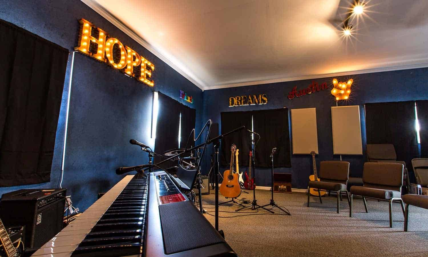 5 Ways Recovery Unplugged Integrates Music into Addiction Recovery